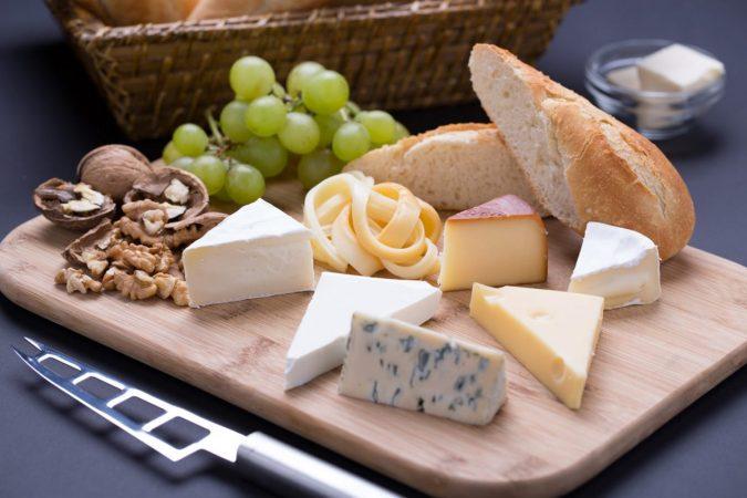 A sajtok felvágásának és szeletelésének titka