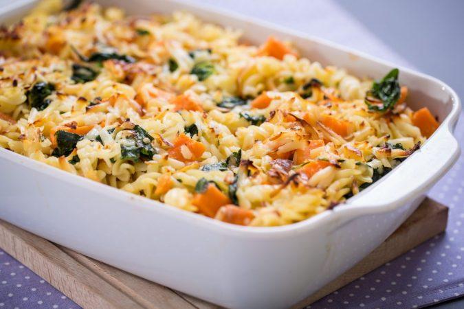 Édesburgonyás, spenótos, Karaván sajtos rakott tészta