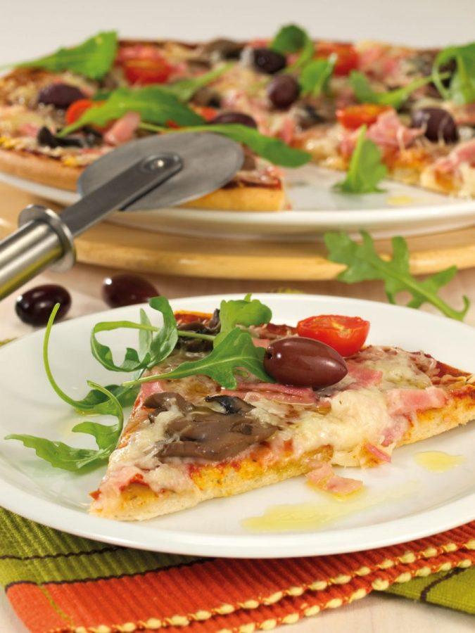 Sonkás-gombás pizza Pannónia sajttal és rukkolával
