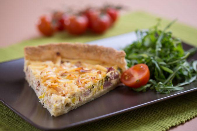Sonkás, póréhagymás, Karaván sajtos quiche