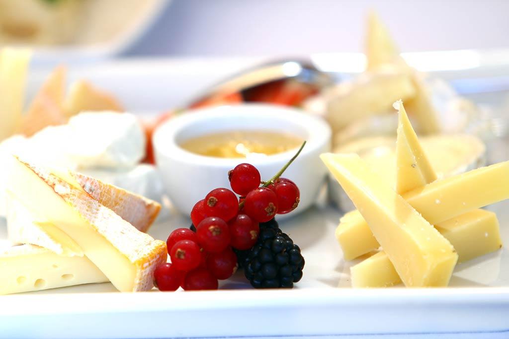Hogyan snackeljünk sajtot?