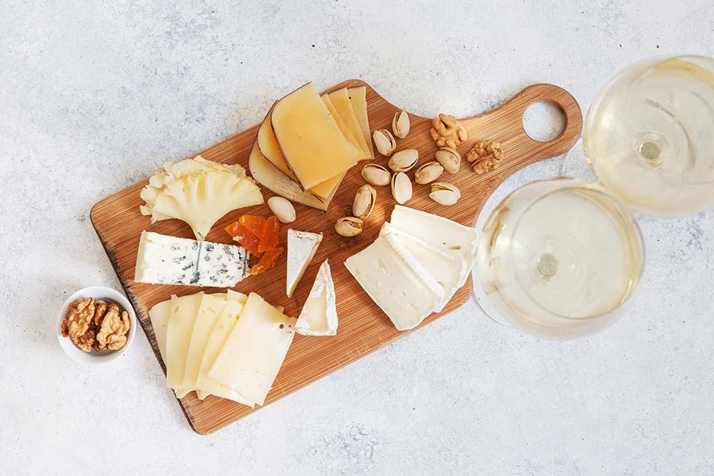 Tökéletes fehérbor és sajt párosítások