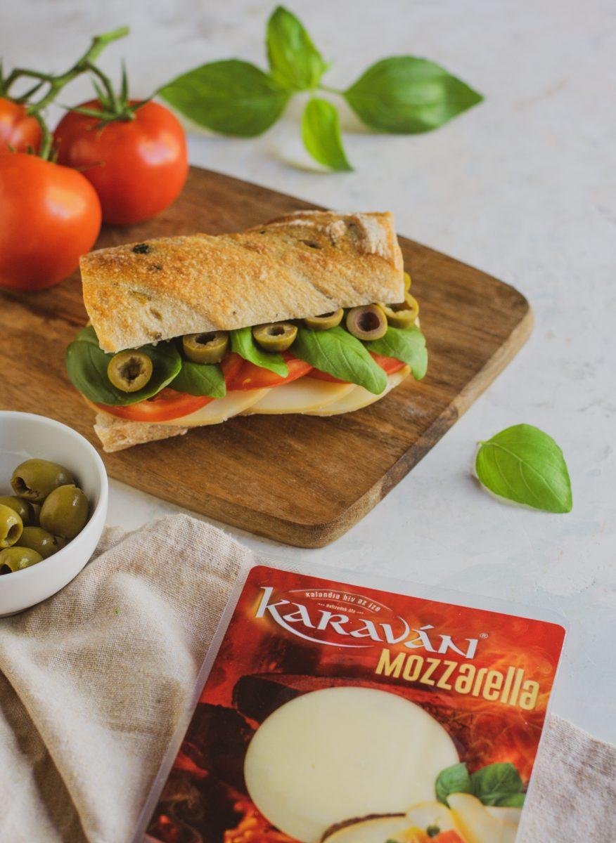Caprese szendvics